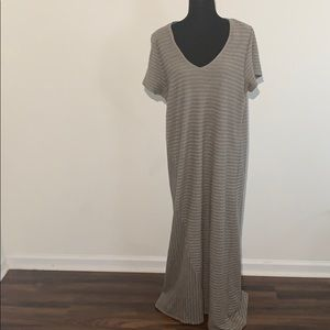 Pure j. Jill maxi cotton short sleeve v neck L